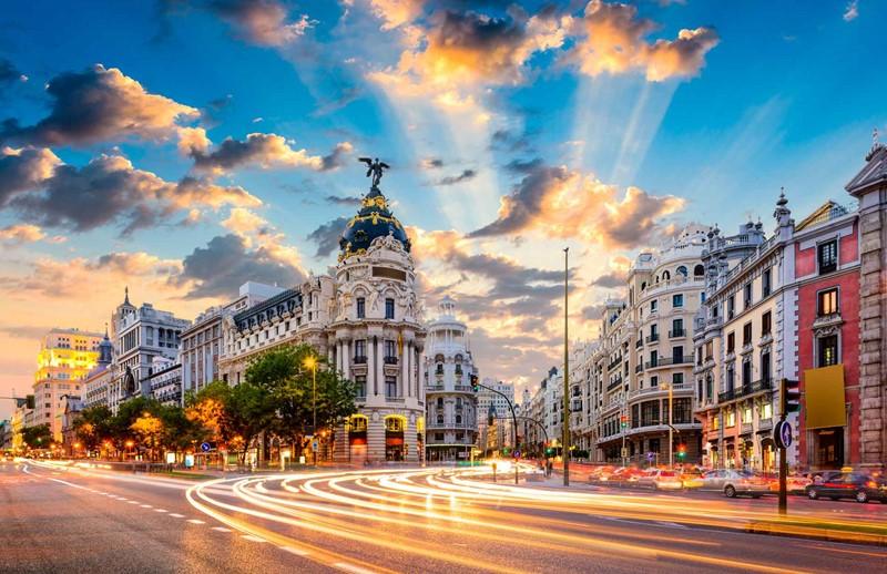 52c1e36b5d616 Büyük İspanya Turu
